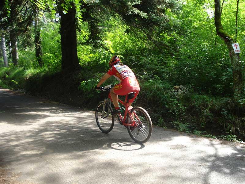 mountain-bike-trekking-monte-cucco